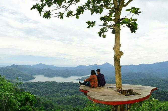 5 Spot Wisata Romantis Di Jogja Tag Pasanganmu Bakpia Mutiara Jogja