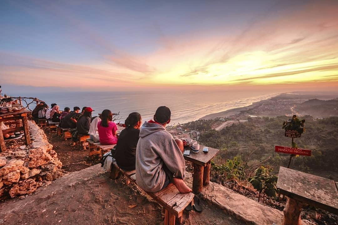 4 Cafe Asik Untuk Menikmati Sunset Atau Sunrise Di Jogja Bakpia Mutiara Jogja
